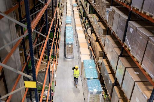 Procesy logistyczne w przedsiębiorstwie - na czym polegają i jak można je usprawnić?